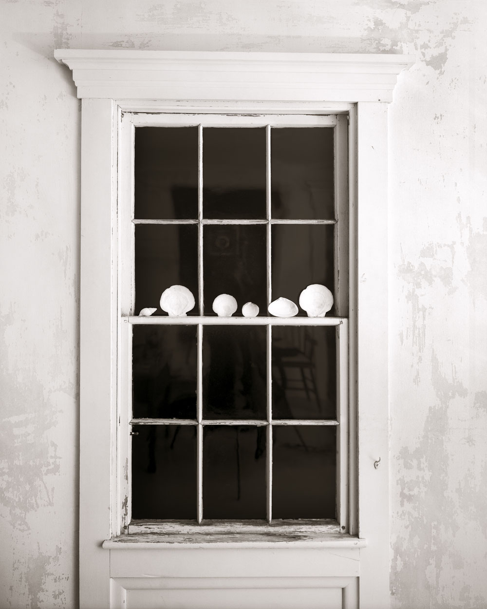 Linda Connor, Window with Shells at Night, 2006