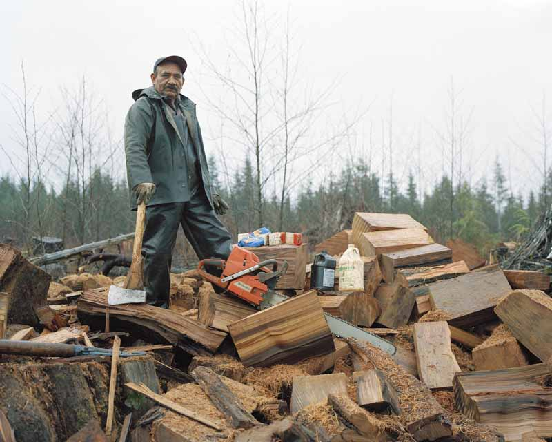 Eirik Johnson, Juan Abalos salvaging cedar shingle bolts, lower Hoh River, Washington, 2007