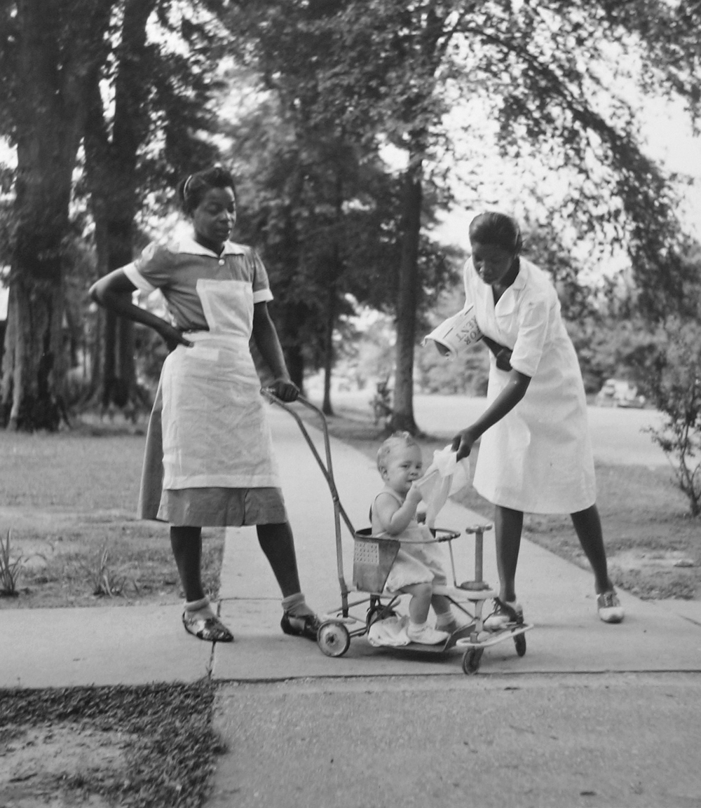 Marion Post Wolcott, Colored Maids with white child, Gibson, MS, 1940, gelatin silver print