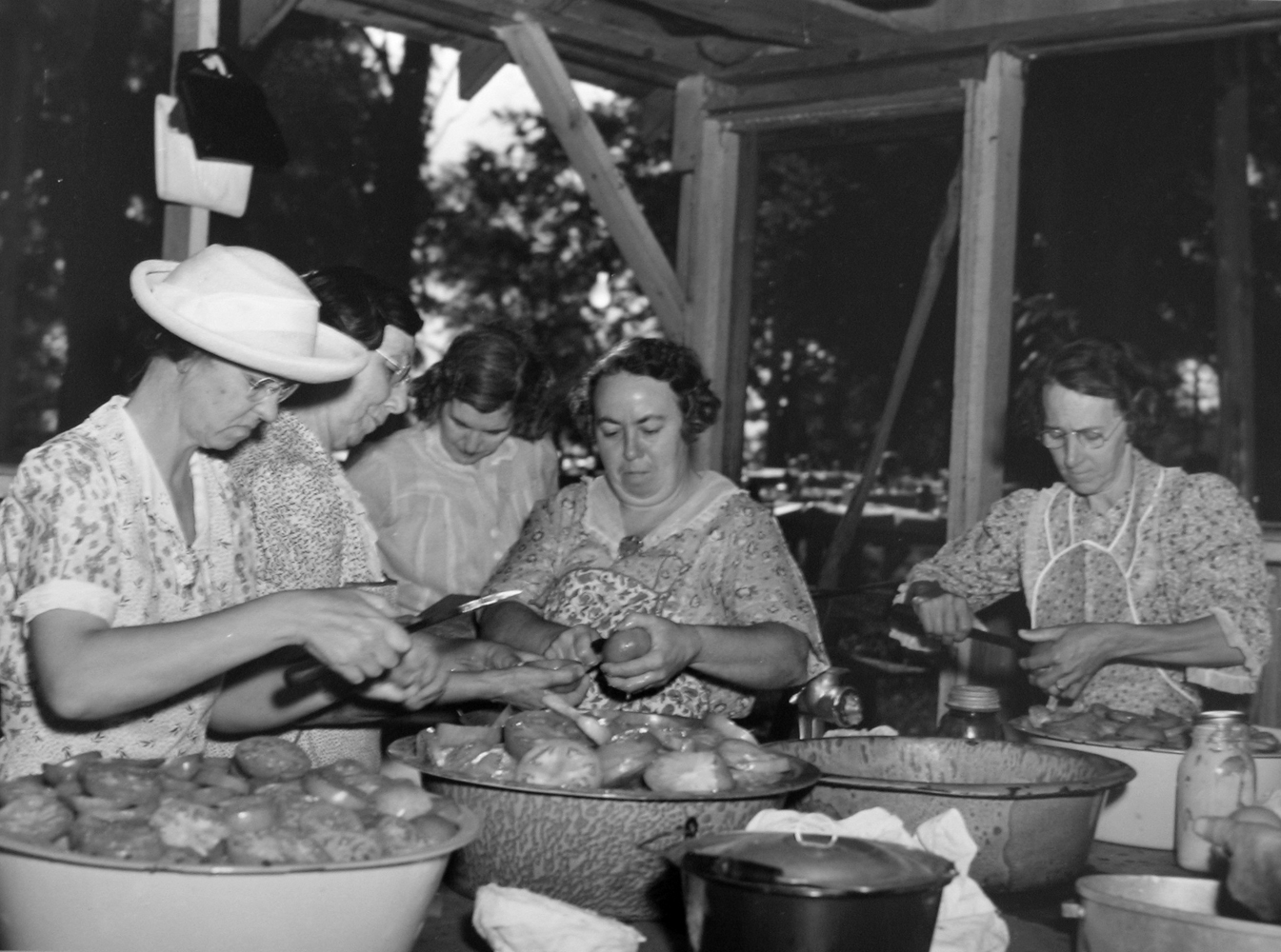 Marion Post Wolcott, Parishioners Peeling Tomatoes, KY, 1940 gelatin silver print, 11 x 14 inches