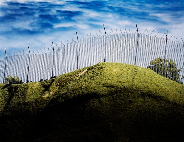 Lori Nix, Fence, 2001