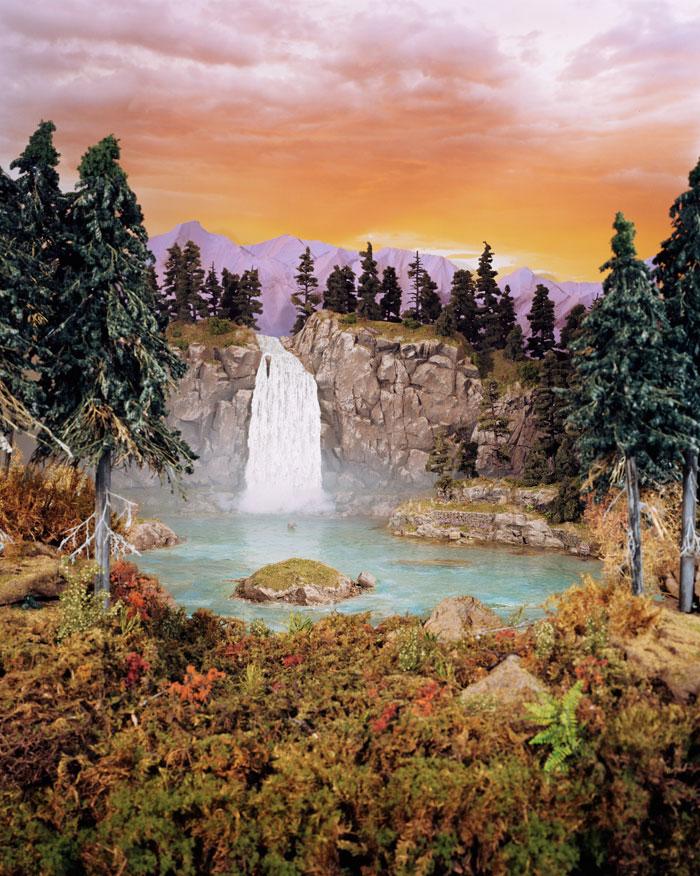 Lori Nix, Paradise, 2004