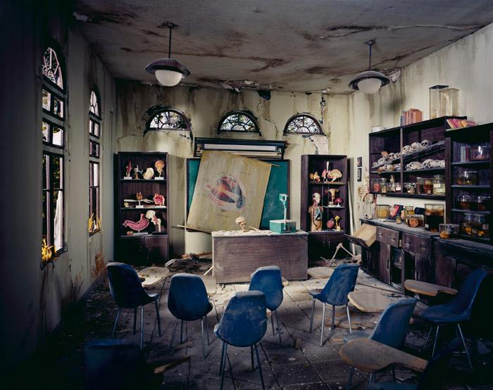Lori Nix, Anatomy Classroom, 2012