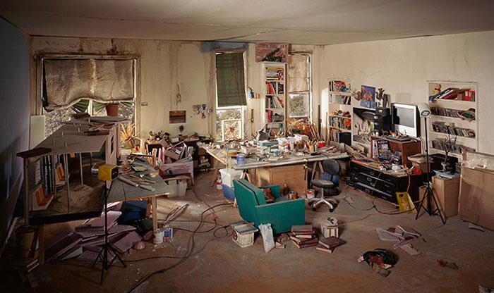 Lori Nix, Living Room, 2013