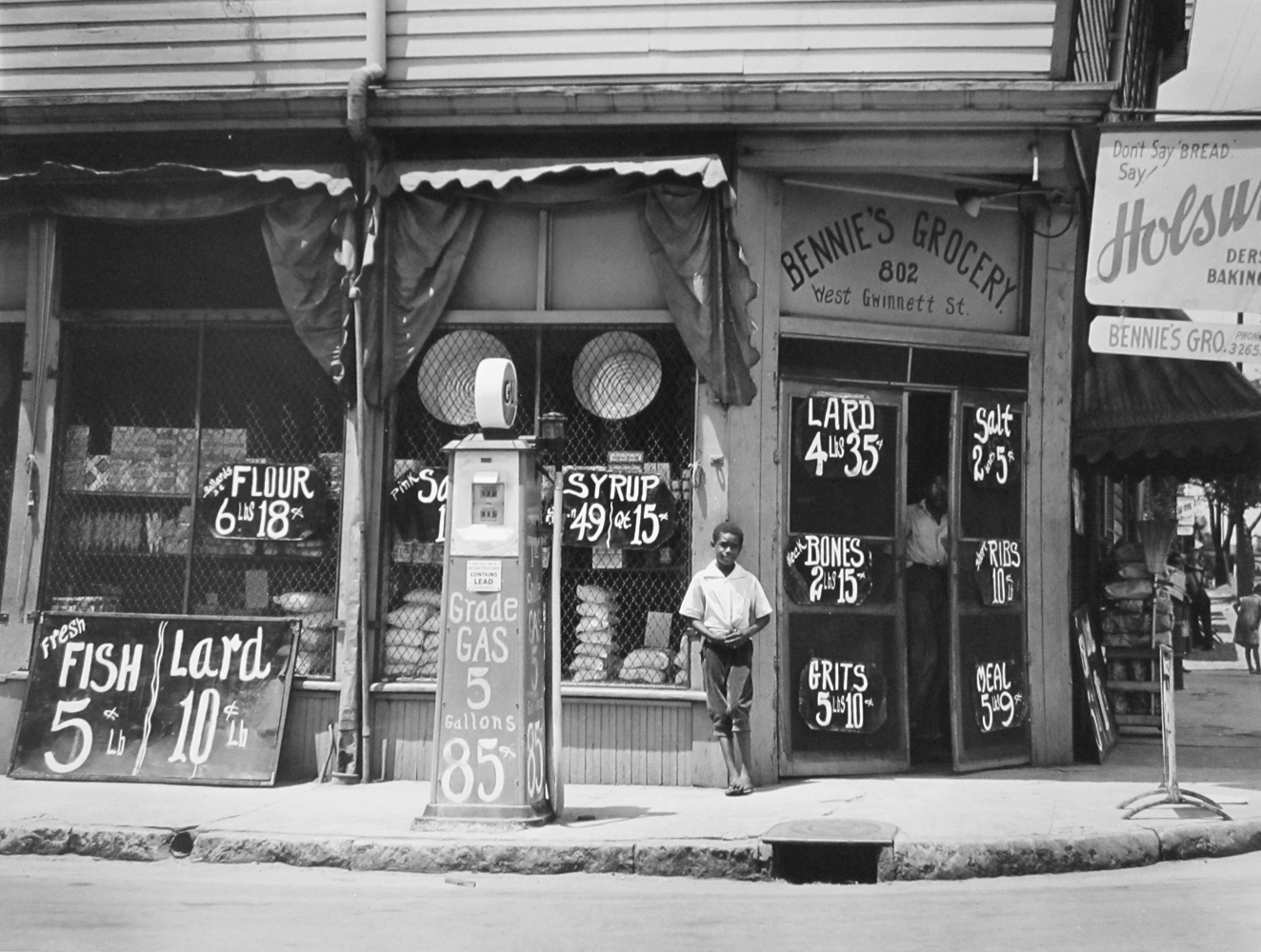 Marion Post Wolcott, Bennie's grocery store. Sylvania, Georgia, 1939, gelatin silver print, signed, 11 x 14 inches